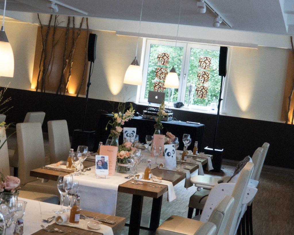 Aufbau für eine Hochzeit im Augsburger Fischerhaus